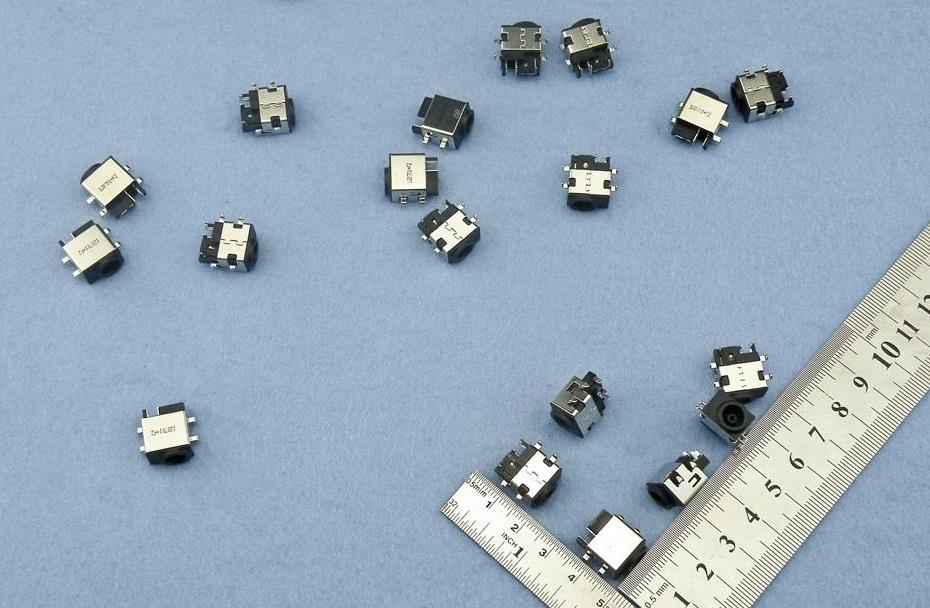 Napájecí konektor DC Samsung N140 N148 N150 NB30 N128 N210 N220 N230 R540